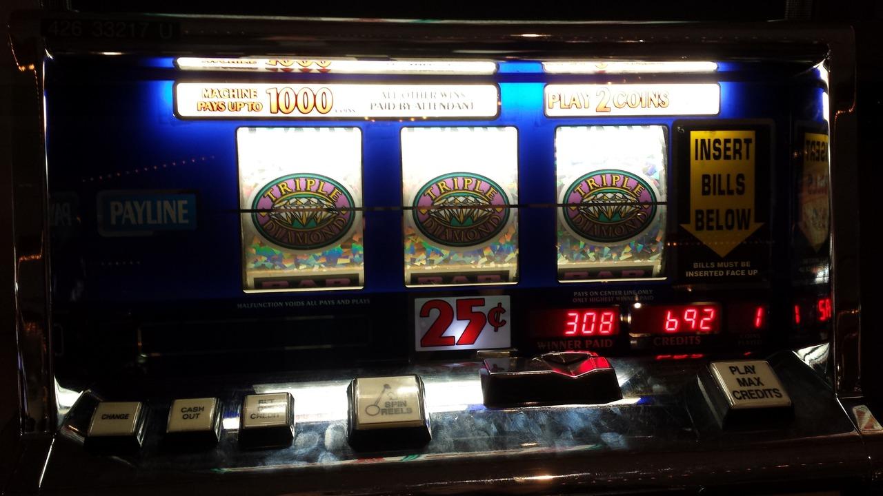 game-play-building-money-machine-gamble-1107896-pxhere.com